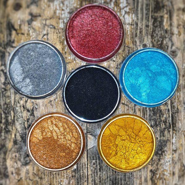 Fairy Dust 1 - Et pulver som kan brukes som det er, eller blandes i Nordic Chic voks eller Topcoat.