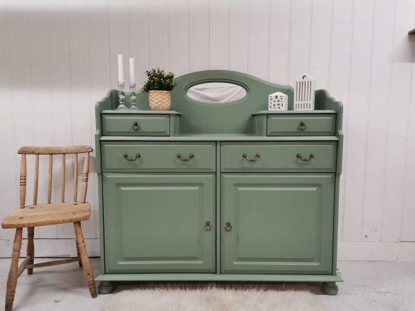 Dusty Green - Outdoor & More 3 - Rett og slett en nydelig grønnfarge. Denne malingen kan brukes både innendørs og utendørs, og du trenger IKKE å forsegle den. Altså du trenger ikke og avslutte med voks eller lakk:) 750ml